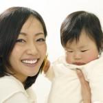 赤ちゃんの人見知りはいつから?原因や症状、周りへの対応方法