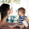 【気になる育児の疑問】赤ちゃんのお座りや腰が据わる時期はいつ?